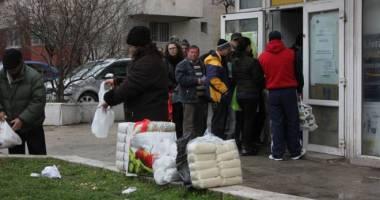 Anunţ de la Primăria Constanţa: Începe distribuţia pachetelor pentru pensionari