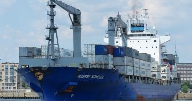 Căpitanul unei nave a fost preluat cu elicopterul, pentru o urgenţă medicală