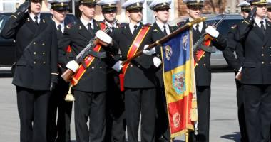 Tinerii din Constanţa, aşteptaţi să îmbrace haina militară. Ce trebuie să faci pentru o carieră în armată