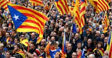 Catalanii vor vota duminică, în pofida măsurilor poliţiei