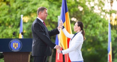 Cătălina Ponor, decorată de preşedintele României