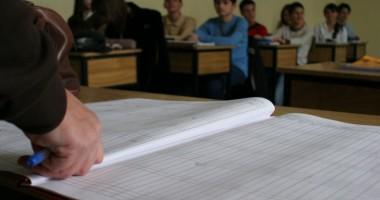 Sindicatele din învăţământ îndeamnă profesorii să nu mai suporte cheltuielile de la clase