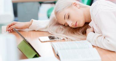 Cât trebuie să doarmă adolescenții pentru eficiență maximă?
