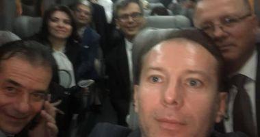 Guvernul Orban, selfie în microbuz în drum spre Cotroceni pentru depunerea jurământului
