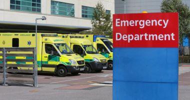 Caz şocant în Marea Britanie:  Femei paramedic obligate  să vadă filme pentru adulţi