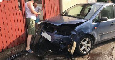 FOTO. Un şofer cu permisul suspedat a făcut ravagii în Constanţa, după ce nu a oprit la STOP!