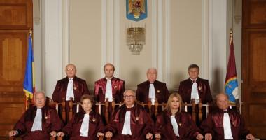 CCR a amânat decizia privind referendumul până pe 12 septembrie