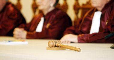 CCR discută, în septembrie, sesizarea  lui Iohannis care vizează magistrații