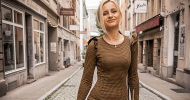 Cea mai tare blondă, în concediu la Milano