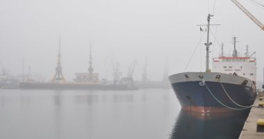 Cod de ceaţă prelungit, la Constanţa