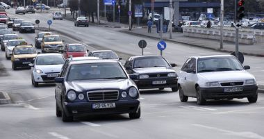 Ce face românul când află că s-a scumpit benzina