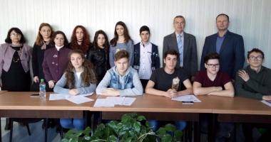 Cel mai vechi liceu din Mangalia a sărbătorit Unirea Basarabiei cu România
