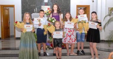 Şase elevi din Cernavodă, proaspeţi absolvenţi de canto