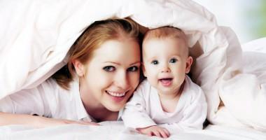 Ce păţesc mamele care fac venituri când sunt în concediu de creşterea copilului