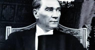 Ceremonie dedicată marelui lider Mustafa Kemal Ataturk