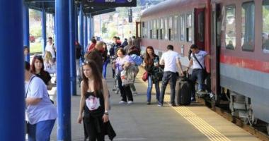 Ce trenuri îşi suplimentează locurile de Rusalii
