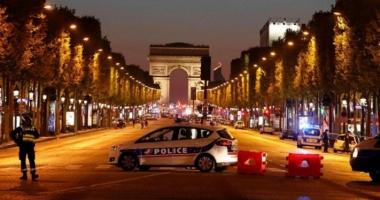 ALERTĂ la Paris, după un atac armat pe Champs Elysees. Un poliţist şi atacatorul au murit