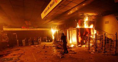 Chile, o țară paralizată, după trei zile de revolte sângeroase soldate cu 11 morți
