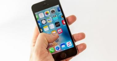 "China c�tig� b�t�lia pentru marca �nregistrat� ""iPhone"""