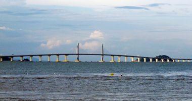 China a construit cel mai mare  pod maritim din lume: 55 km
