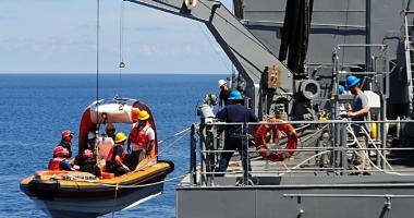 Cine îi ajută pe marinarii abandonaţi pe mările şi oceanele lumii?