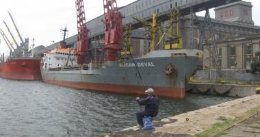 Cine e vinovat de prăbuşirea traficului de mărfuri în porturile maritime româneşti?