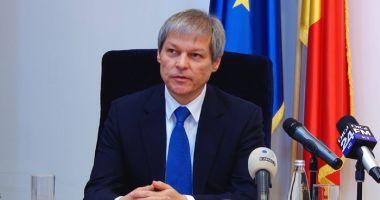 """Dacian Cioloș: """"Preocuparea celor care guvernează este să scape mai repede de dosarele penale"""""""