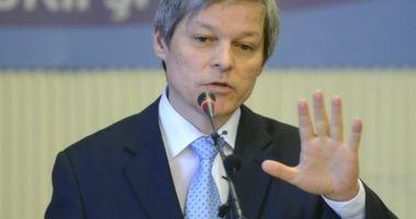 Dacian Cioloş cere alegeri anticipate: Suntem într-o criză bugetară