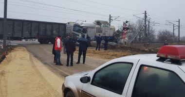 Cisternă cu motorină, lovită de tren, în Portul Constanţa