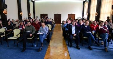 Consiliul Judeţean vrea să preia în subordine Palatul Copiilor şi Casa Soarelui