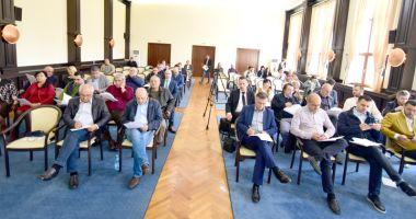 Consilierii de la CJC se reunesc, în ședință, să împartă banii județului