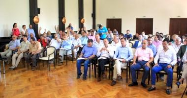 Consilierii judeţeni, convocaţi în şedinţă. Ce proiecte vor vota