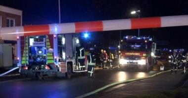 CLĂDIRE CU ZECI DE ROMÂNI, INCENDIATĂ / Autorităţile din România vorbesc despre starea victimelor