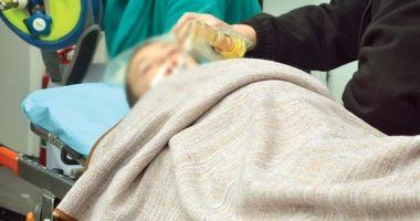 Două fetiţe în vârstă de 2 ani, dus de urgenţă la spital după ce au băut insecticid