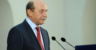 Traian Băsescu vrea graţierea pedepselor sub 10 ani şi reducerea celor pentru femei