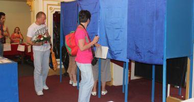 Coaliţia pentru Familie acuză modul în care a fost organizat referendumul şi boicotul partidelor