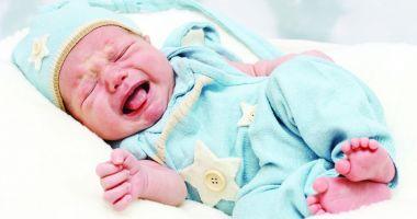Durere şi nelinişte. Cum tratăm colicile abdominale ale copiilor