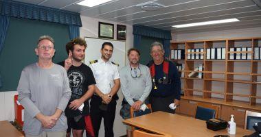 Comandantul Bogdan Rusu și echipajul său au salvat viața a patru marinari