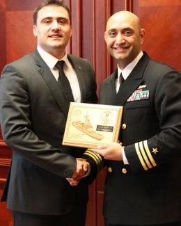 Comandantul navei USS Taylor, �n vizit� la prefectul Radu Volcinschi