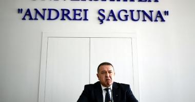 """Mihai Daraban le-a vorbit studenţilor despre """"panorama necosmetizată a economiei româneşti"""""""