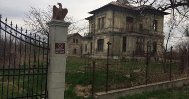 Conacul plângerii! Construit de o bogată familie de aromâni, ajuns astăzi o ruină (episodul I)