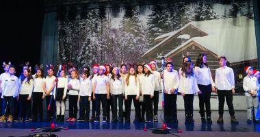 Concert de colinde  dedicat tuturor  absolvenţilor Şcolii nr. 38