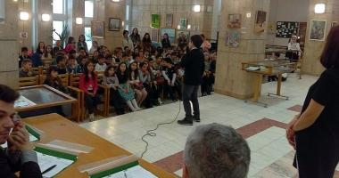 Concurs interşcolar de recitări, la Biblioteca judeţeană