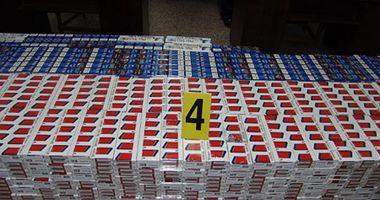 Mii de pachete cu țigări de contrabandă, descoperite de polițiștii de frontieră