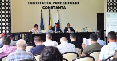 Consiliile Județene Constanța și Tulcea, ședință solemnă comună la malul mării