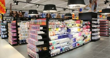 Consiliul Concurenței a amendat șapte mari comercianți de alimente