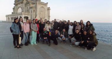 Oraşul de la malul mării, descoperit de tinerii din şapte țări europene