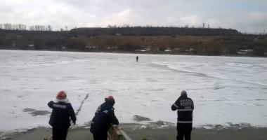 Constănţean salvat din mijlocul Canalului Dunăre-Marea Neagră