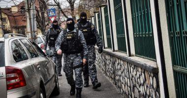 Constănţean cu mandat european de arestare, ridicat de mascaţi