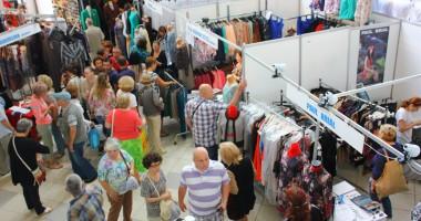 """Constănţenii cumpără """"în draci"""" la TINIMTEX 2014"""